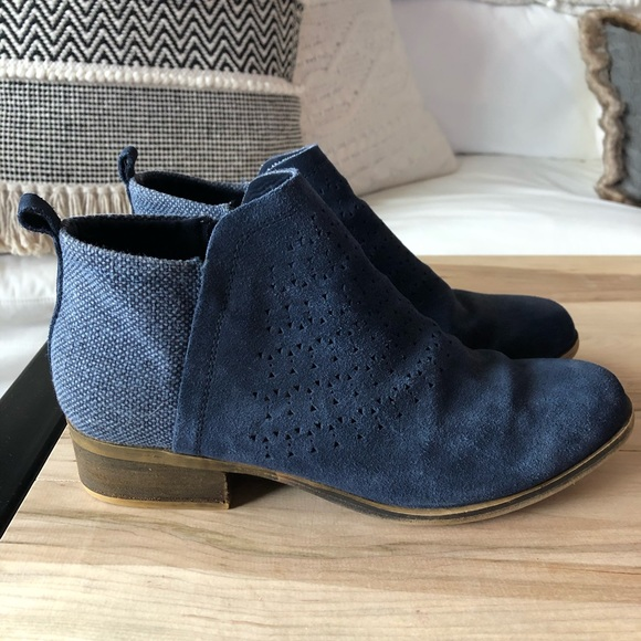 Toms Shoes | Navy Booties Size 10